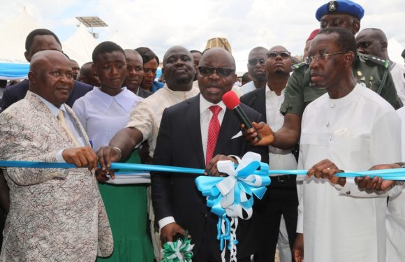 No Quarrels, As Uduaghan Joins Okowa To Commission Mega Projects In Delta °°°Dein of Agbor, Ukah Applaud Okowa's Magnanimity