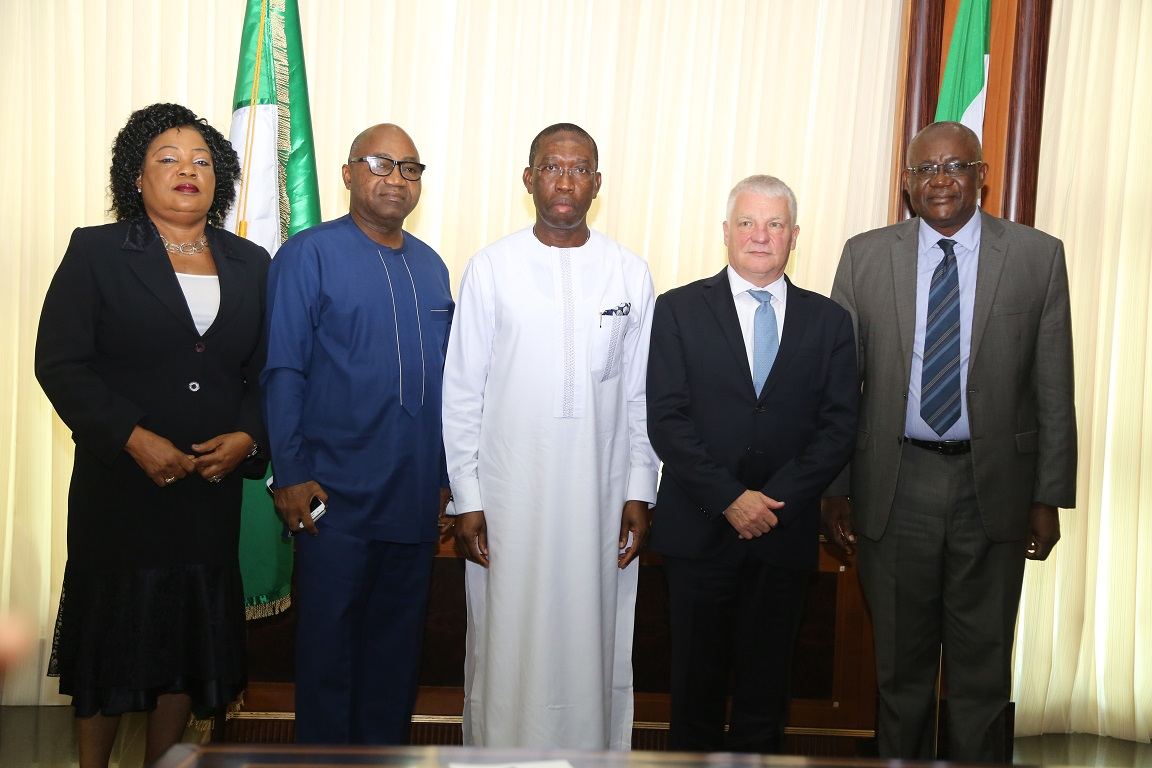 Delta State Governor, Senator Ifeanyi Okowa (middle); Secretary to Delta State Government, Rt Hon. Ovie Agas (2nd left); Commissioner for Commernce and Industry, Barr (Mrs) Mary Iyasere  (left); Consular General of the Swiss High Commission, His Excellenccy, Yves Nicolet and former Chief Economic Adviser, Chief Afam Obiago, during a courtesy call by the Swiss Consular General to the Governor in Asaba. PIX: BRIPIN ENARUSAI