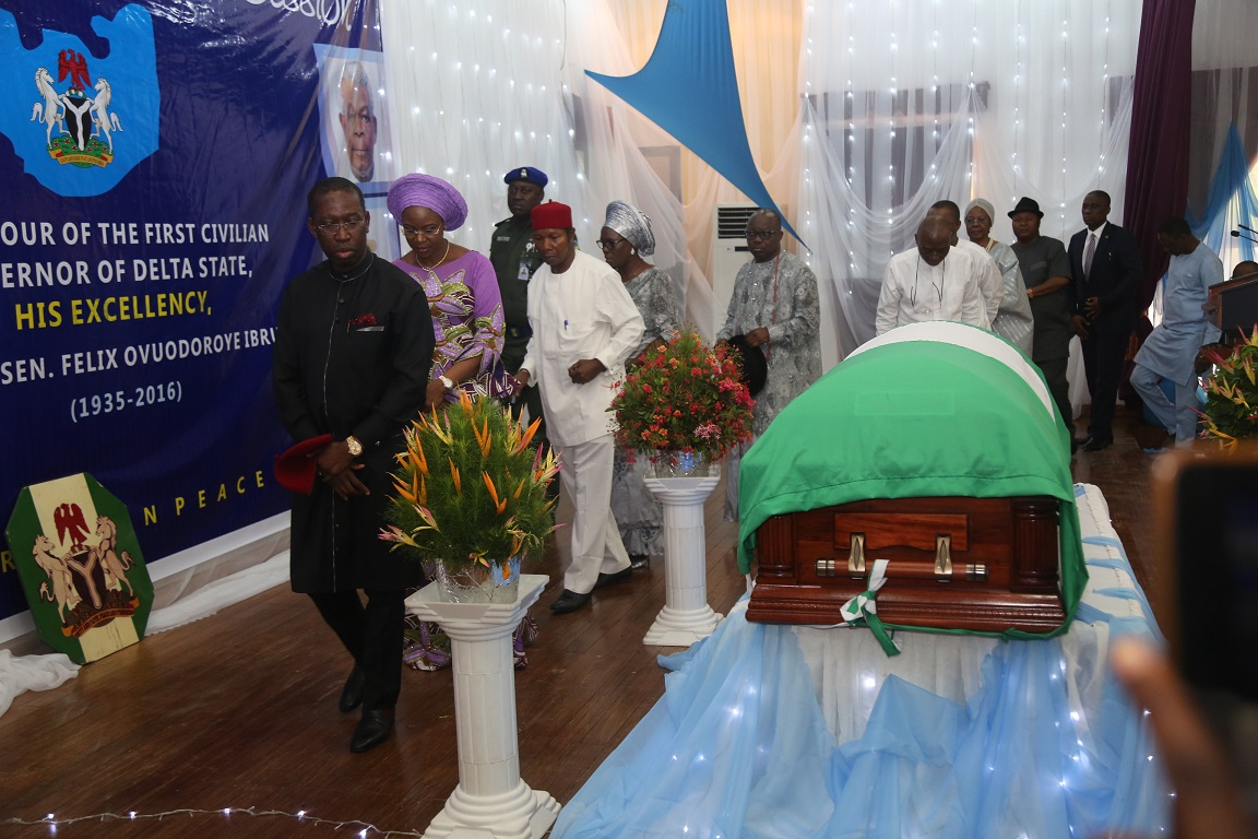 Delta State Governor, Senator Ifeanyi Okowa and Other Dignities Filling Pass the Casket