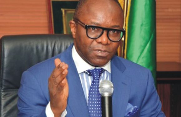 GROUP WARNS AGAINST FRUSTRATING PETROLEUM MINISTER, KACHIKWU ***CLAIMS MINISTER'S LIFE UNDER THREAT FROM NORTHERN CABAL  ***WANTS SCANDAL IN NNPC INVESTIGATED  *** CALLS FOR SUSPENSION OF NNPC BOSS