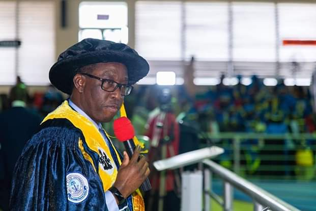 Gov. Okowa Offers Job, Scholarship To Orphan, DELSU Best Graduate Of 4,252 Students