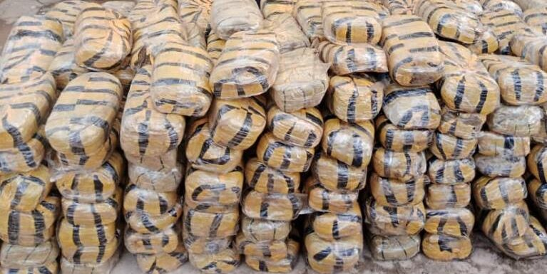 Law Enforcement Officer, 6 Others Arrested For Dealing In Cocaine, Other Illicit Drugs . As NDLEA Uncovers Heroin In Pakistan-Returnee's Anus At Lagos Airport